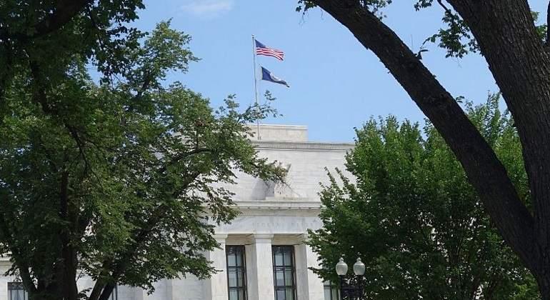 FED eleva su tasa de interés; llega a 1.25 por ciento