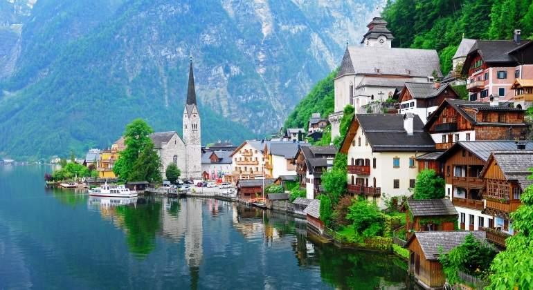 hallstatt-austria-dreamstime.jpg