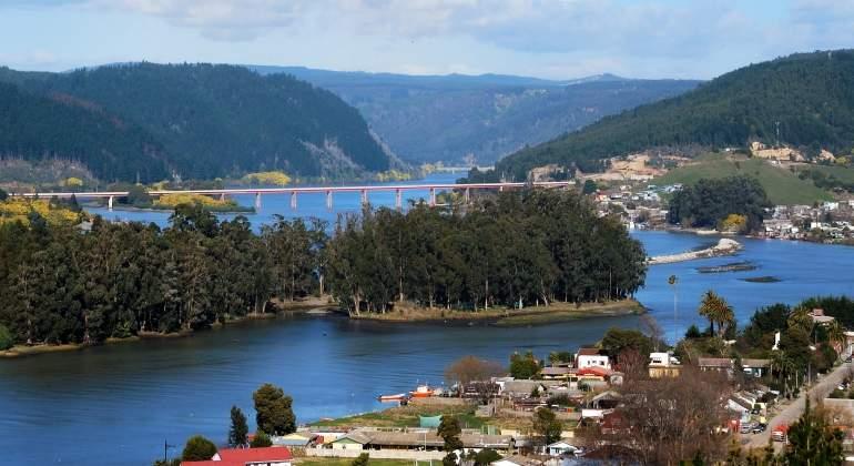Ribera del ro Maule en Chile