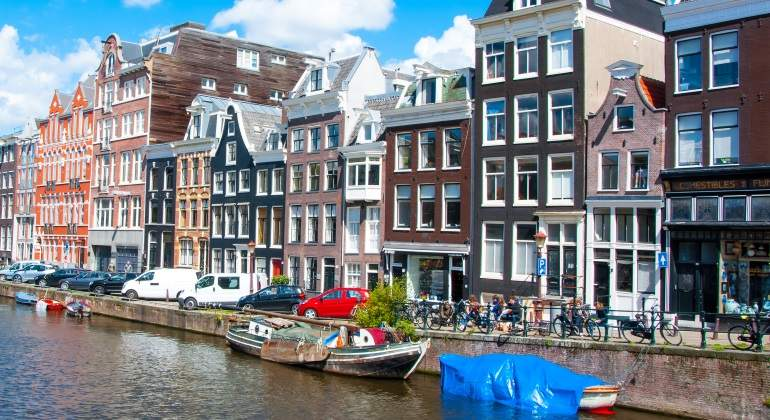amsterdam-barcos-bicis.jpg