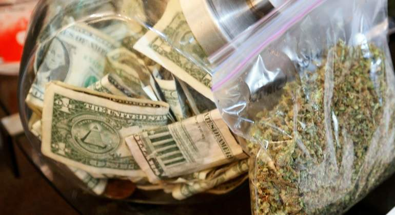 marihuana-dinero-reuters-770.jpg