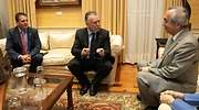 El embajador de Japn en Espaa Kenji Hiramatsu y el jefe del Gobierno de Canarias ngel Vctor Torres