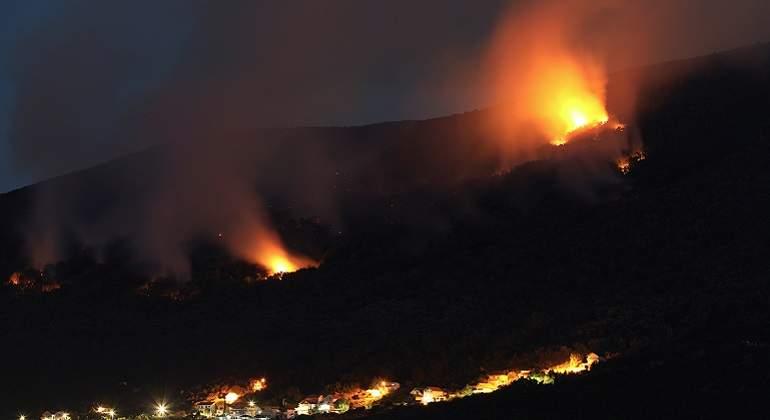 Onemi declara Alerta Amarilla para Isla de Pascua por incendios forestales