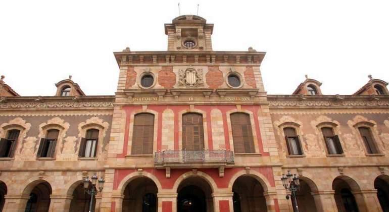 fachada-parlament-luis-moreno.jpg