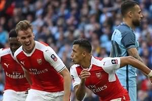 Alexis mete al Arsenal a la final de la FA Cup