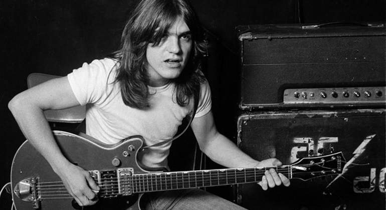 malcolm-young.jpg