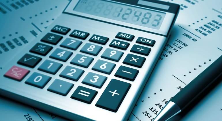 impuestos-calculadora-factura-cuentas-ee.jpg
