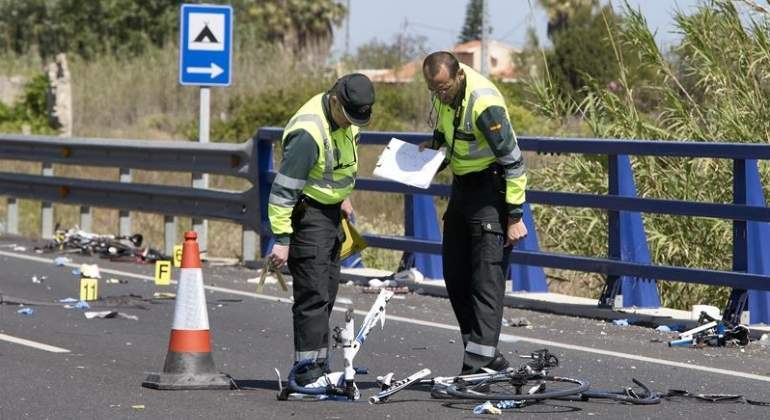 guardia-civil-accidente-oliva-ciclistas-efe.jpg