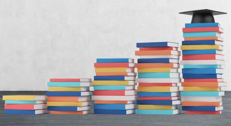 libros-formacion-universidad-nivel-770-dreamstime.jpg