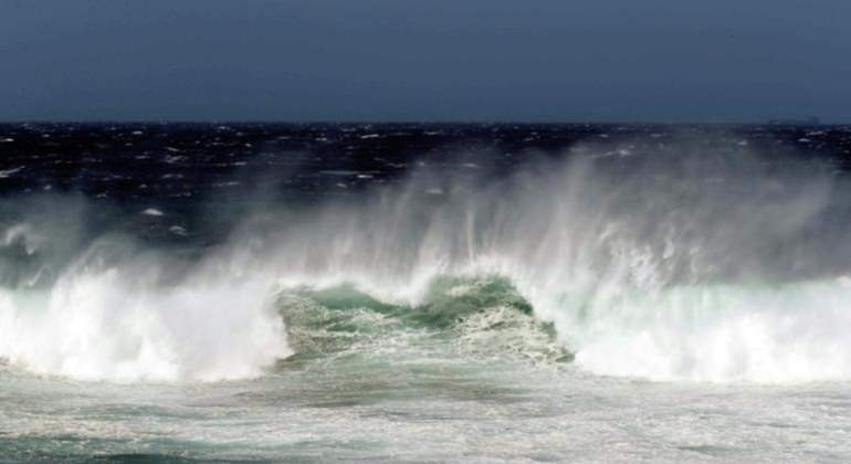 Se espera intenso oleaje en las costas canarias