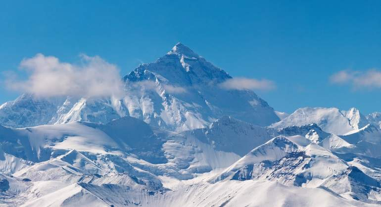 everest-dreamstime.jpg