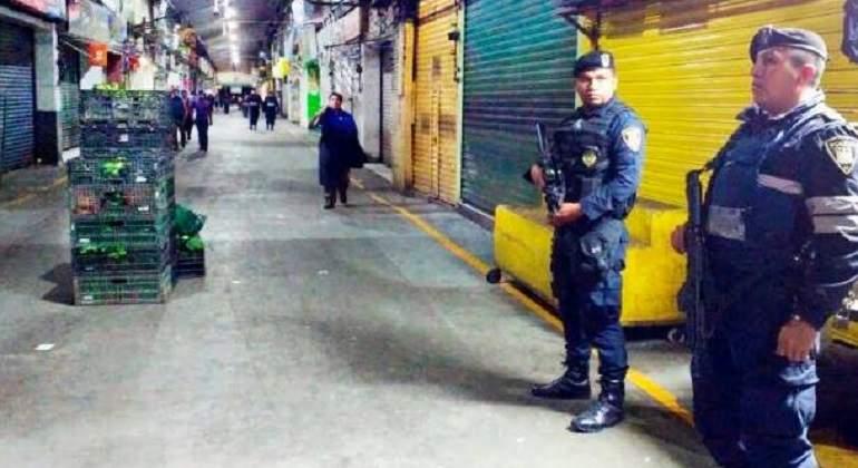 Reportan linchamiento de presunto ladrón en Central de Abasto