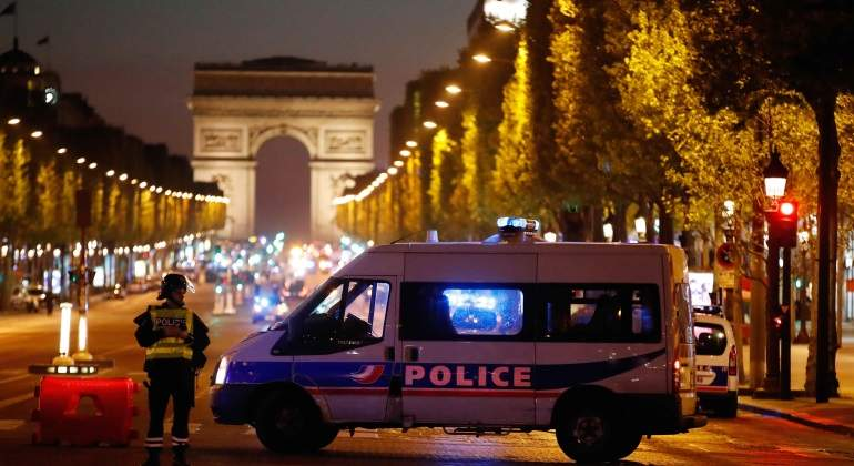 campos-eliseos-ataque-paris-20abril-reuters.jpg