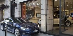 Así es la primera tienda fija de Tesla en Madrid