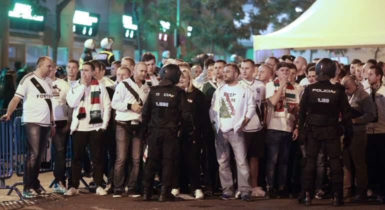 ultras-legia-bernabeu-policia-efe.jpg