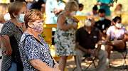 coronavirus-abuelas-parque-sol-reuters.jpg