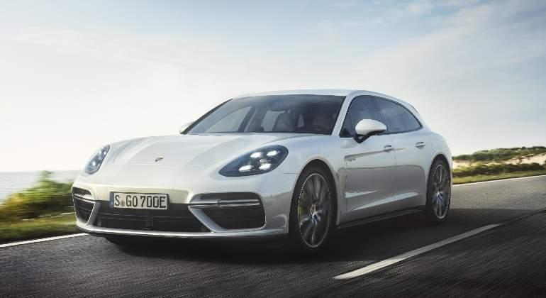 Porsche-Panamera-Turbo-S-E-Hybrid-Sport-Turismo-2017-01.jpg
