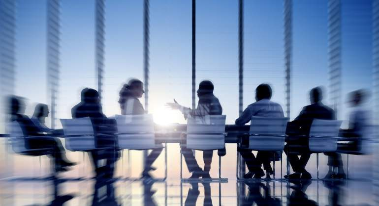 oficina-reunion-borrosa-dreamstime.jpg