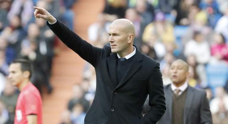 Zidane-senala-2017-Malaga-efe.jpg