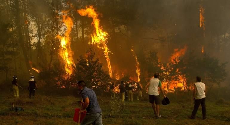 galicia-fuego-15oct17-efe.jpg