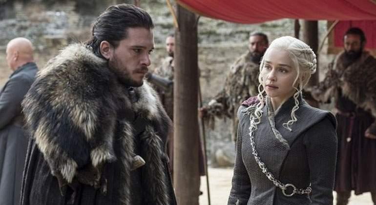 Kit-Harington-y-Emilia-Clarke. HBO