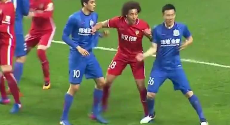 Los insólitos castigos de la Liga china