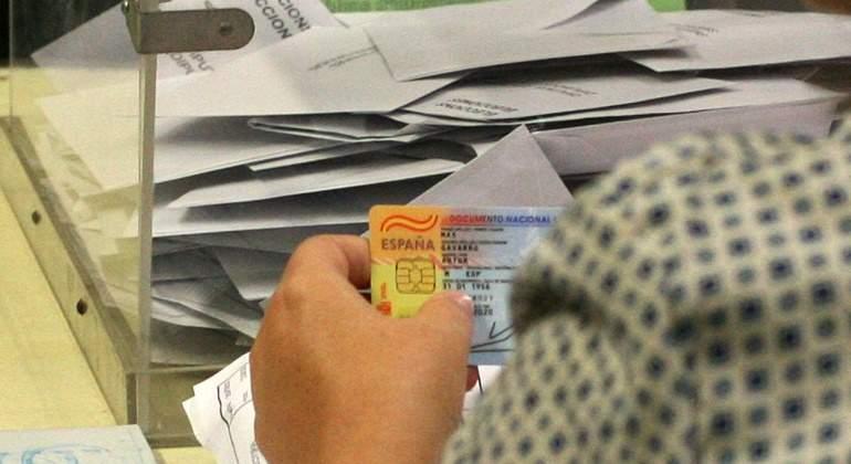 elecciones-urna-luismoreno.jpg