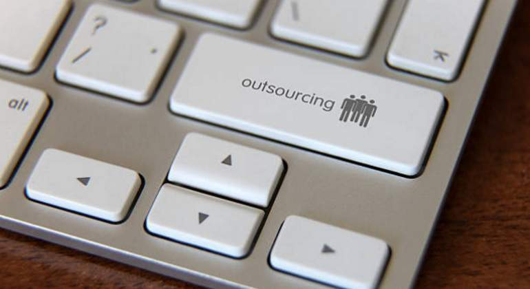 Outsourcing-istock-770.jpg