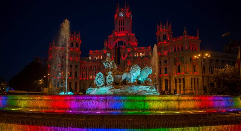 Cibeles-orgullo-gay-2017-reuters.jpg