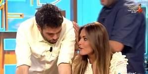 Dani Martínez se calienta e intenta dar un pico a Lara Álvarez