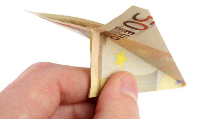 dinero-avion-euros-770.jpg