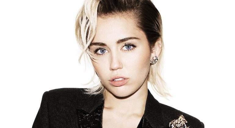 Miley Cyrus enfrenta a diseñador y provoca que su hermano pierda trabajo