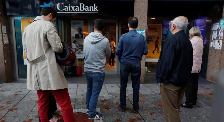 cajero-caixabank-colas-770-reuters.jpg