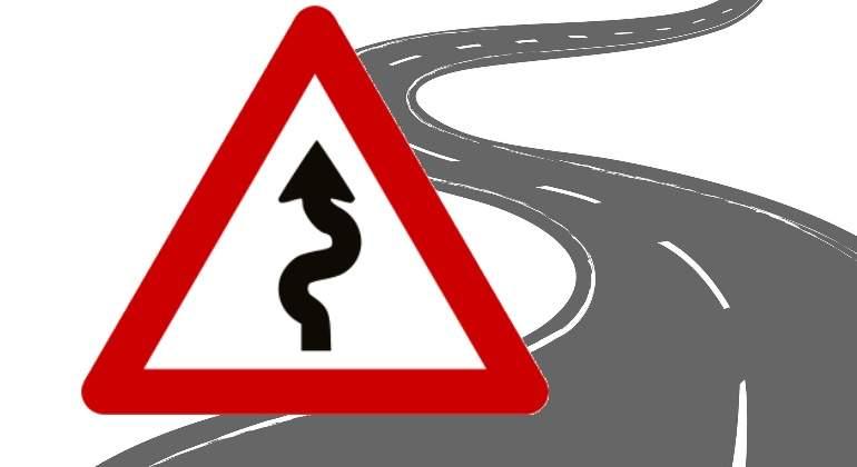 carretera-curvas-senal-peligro.jpg
