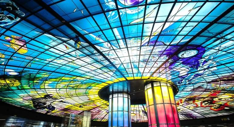 Metro-Taiwan-Dreamstime.jpg
