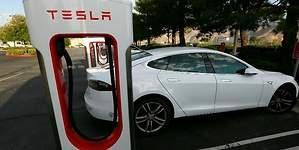 Tesla dobla el número de supercargadores: se extiende  por toda España con 14 nuevos
