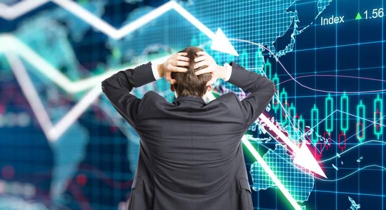 flecha-cae-panico-inversor-dreams.jpg