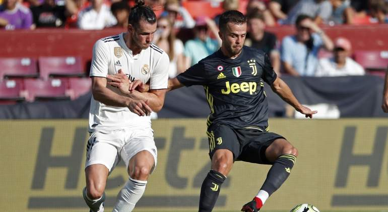 pjanic-real-madrid-bale-reuters.jpg