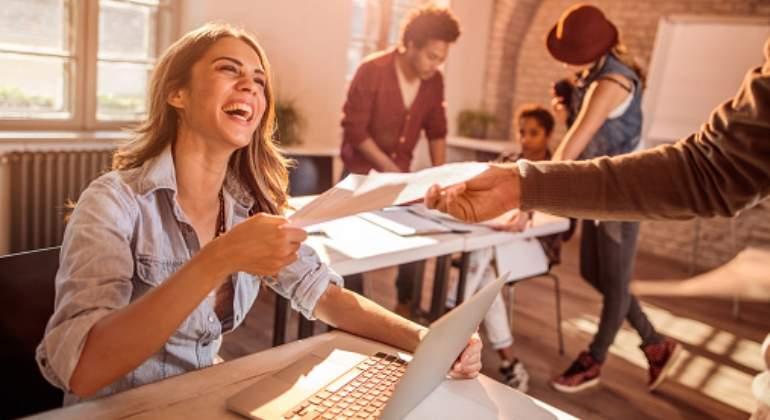 trabajadora-feliz-getty.jpg