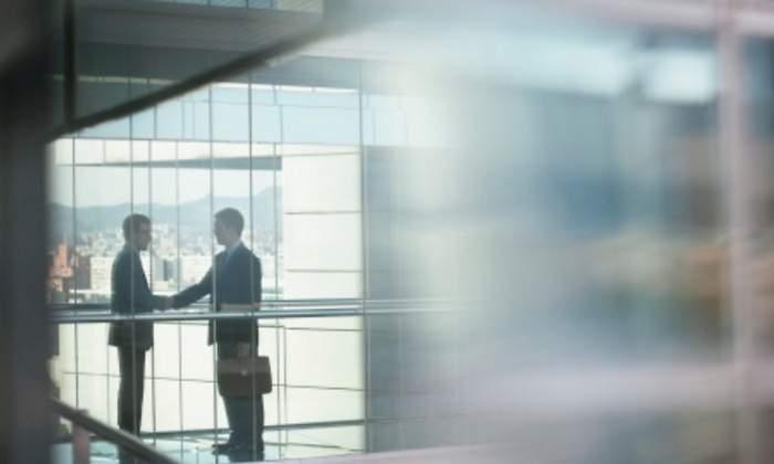 El 'baile corporativo' deja de crecer por primera vez desde el año 2012