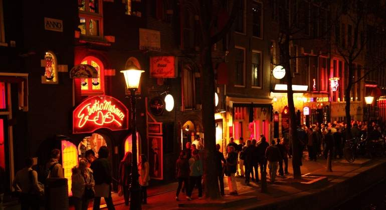 Irlanda ilegaliza la prostitución y multará con 1.000 euros a los clientes reincidentes