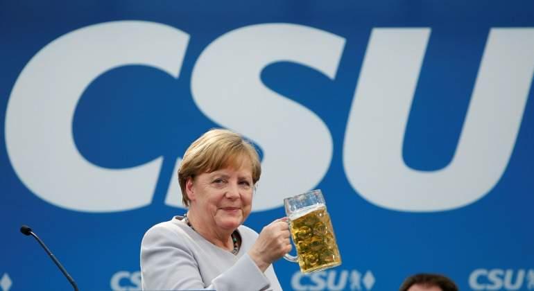 angela-merkel-CSU-cerveza-770-reuters.jpg