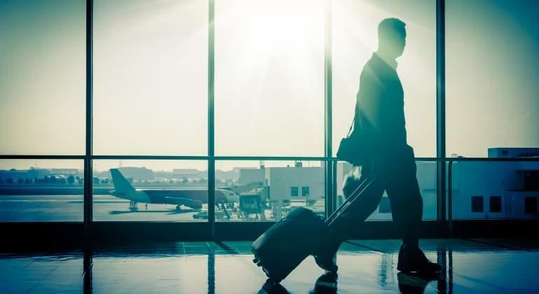 aeropuerto-pasajero-amanecer.jpg