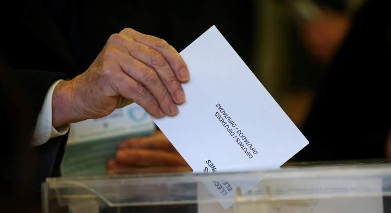 urna-2-elecciones-cataluna-21d-reuters.jpg