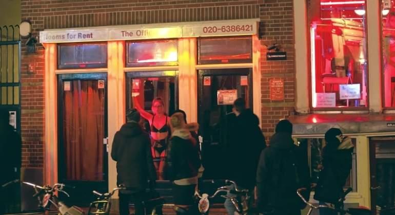 prostituta-barrio-rojo-amsterdam-dreamstime.jpg