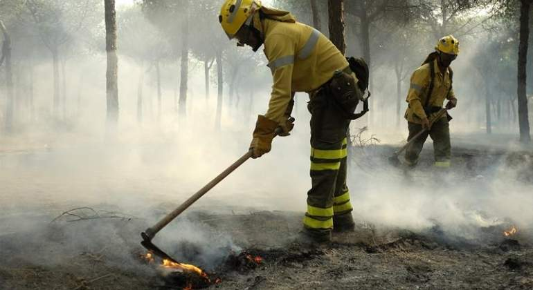 extincion-incendio-huelva-efe.jpg