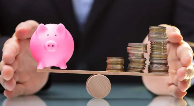 CaixaBank da la batalla a Bankinter y Sabadell y bonifica un 5% el ahorro