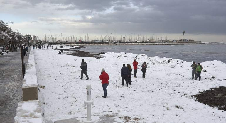 La nieve cubre la costa de Denia, Jávea y Torrevieja 103 años después