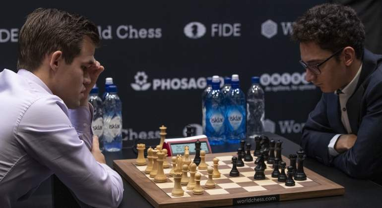 carlsen-caruana-getty.jpg