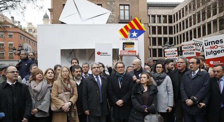 apoyo-homs-mas-madrid-27feb2017-efe.jpg